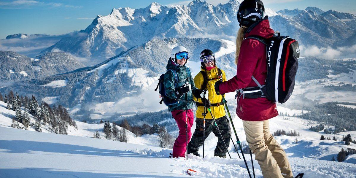 Wohlhabende Gruppen von Menschen entwickelten die Idee, dass Skifahren eine profitable Aktivität sein könnte